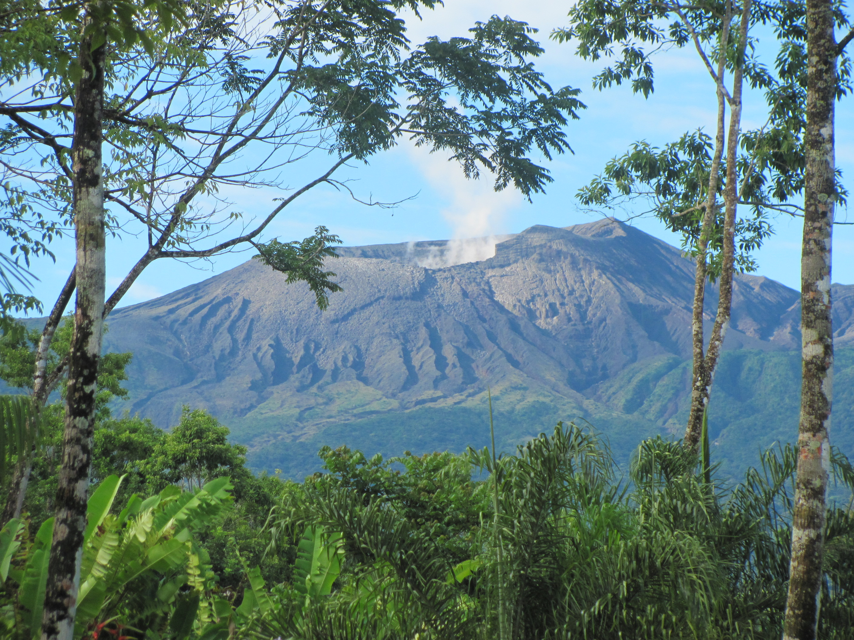 Hike Costa Rica volcanoes