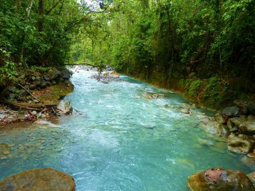 Remained A Mystery For Many Years Until The University Of Costa Rica S Research Confirmed No Chemical Or Mineral Concentrations Made Water Blue