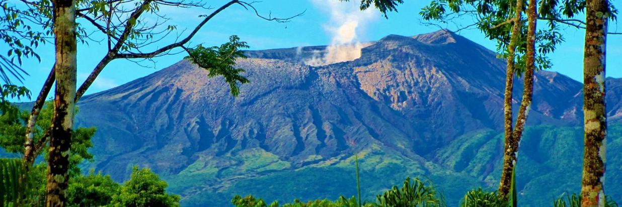 Visiting the Pacific Side Of Rincon de la Vieja volcano